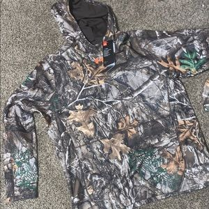 NWT MENS LARGE CAMO under ARMOUR HOODIE